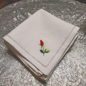 Vintage linen napkins with embroidered flowers